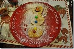 Snowman pancakes 2