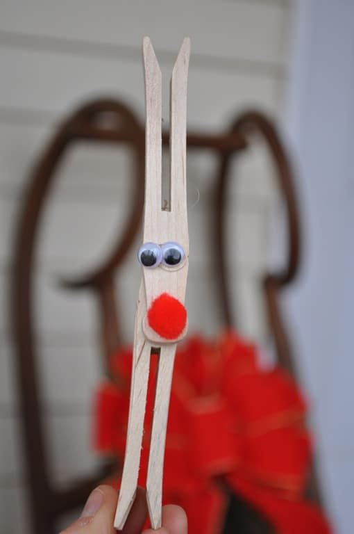 Clothespin reindeer craft for kids for Clothespin crafts for adults