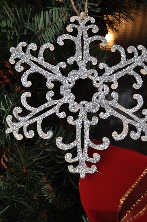 hanging-ornament-2.jpg