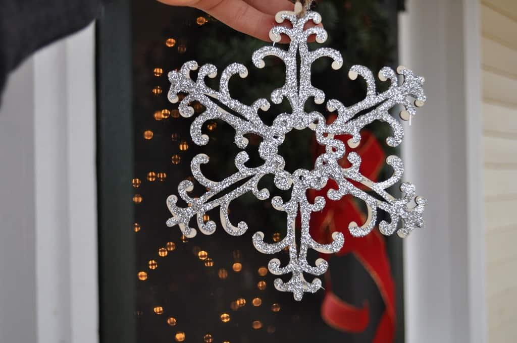 Making Snowflake Ornaments - 51.5KB