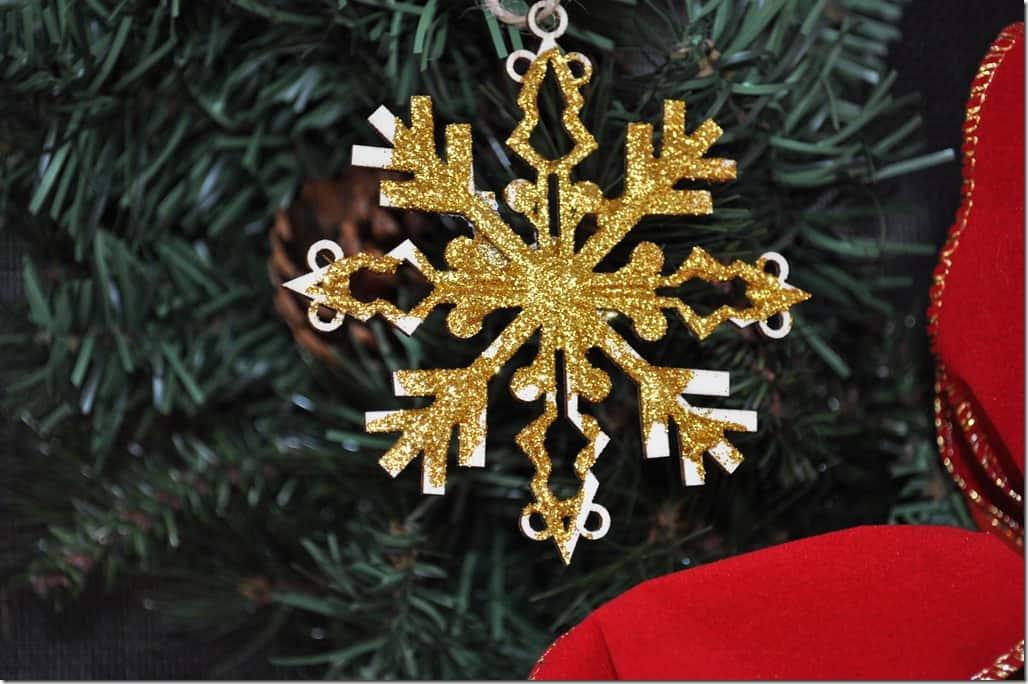 small gold ornament