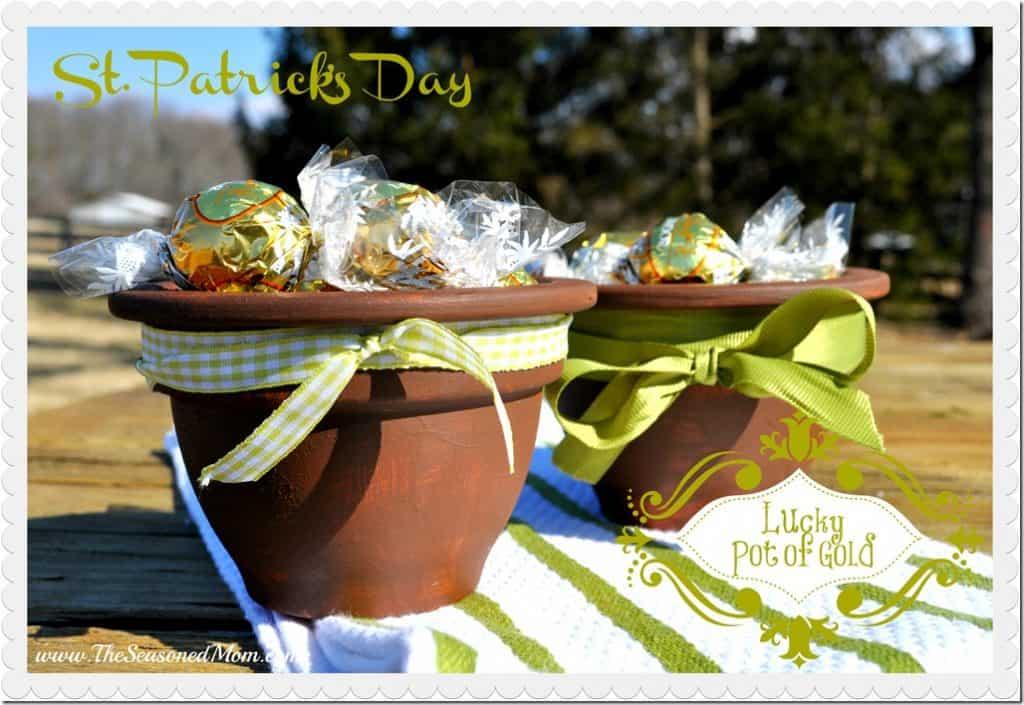 St.-Patricks-Day-Pot-of-Gold_thumb.jpg