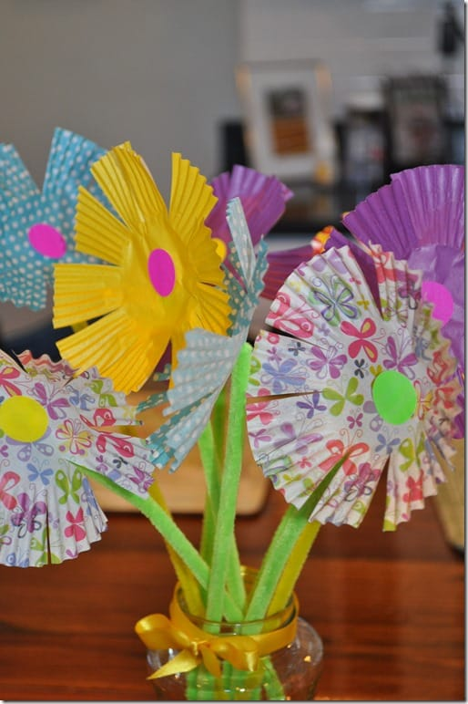 Then Just Put Your Bouquet Of Flowers Into A Vase Or Glass Jar For Display The Perfect Spring Craft Kids Paper Flower Mess Free Glue