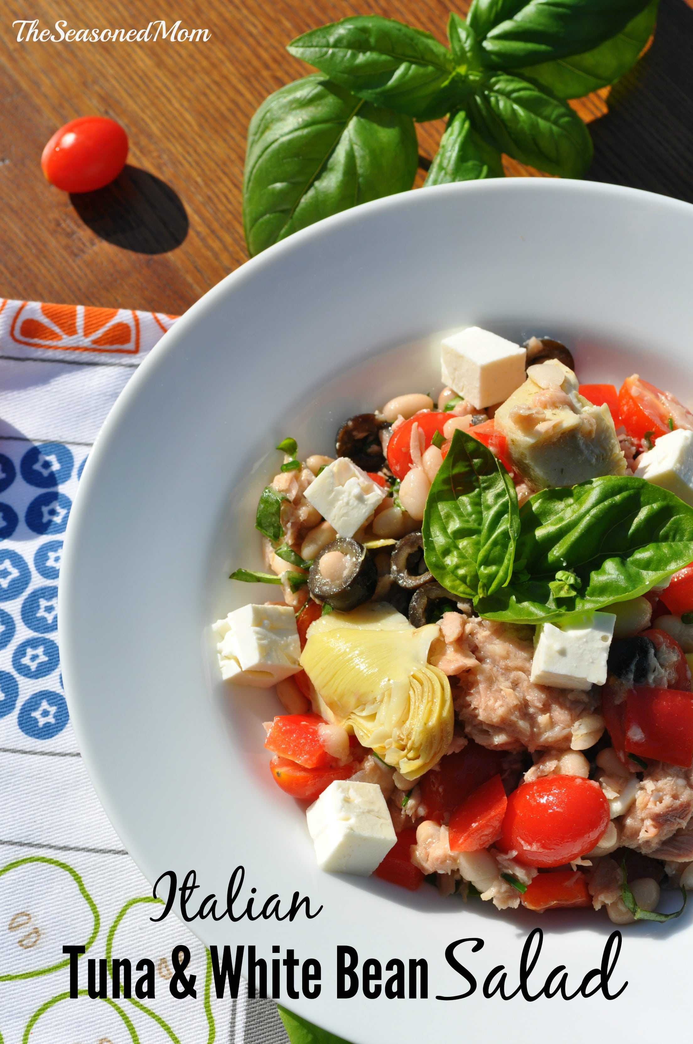 Italian Tuna and White Bean Salad is bursting with fresh flavors ...