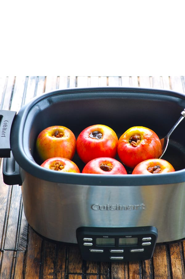 Healthy slow cooker baked apples