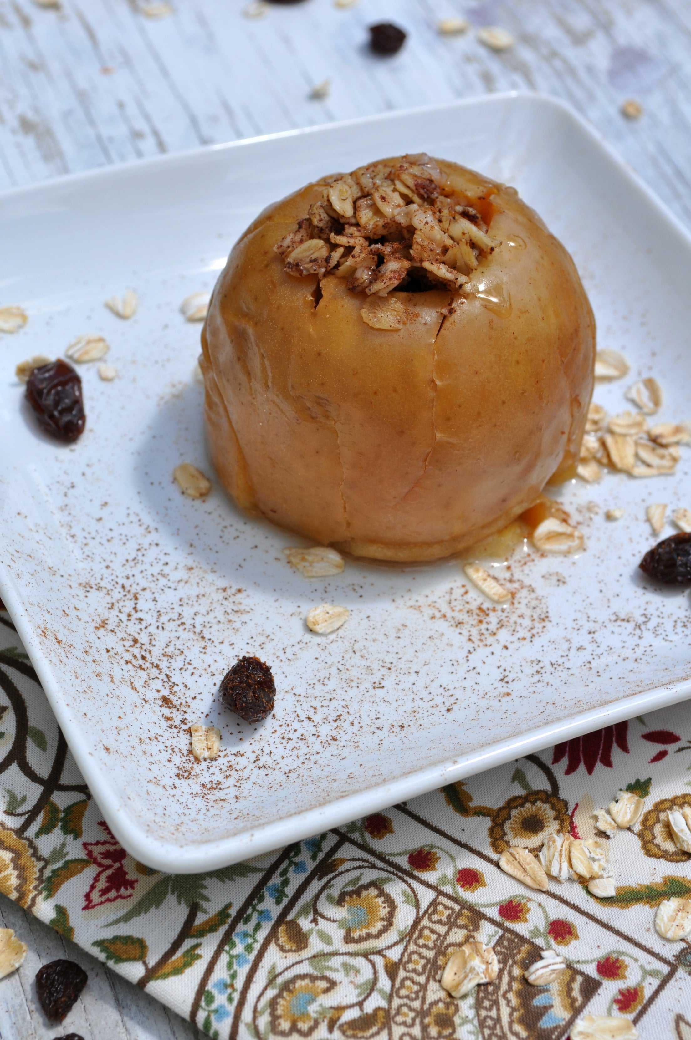Slow Cooker Oatmeal Raisin Baked Apples - The Seasoned Mom