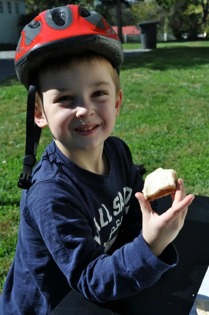 Gibbs Eating Walnut Square