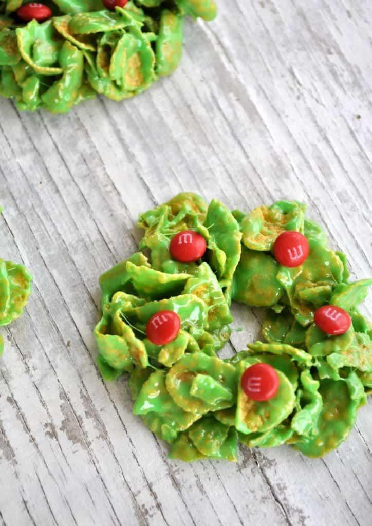 No-Bake Christmas Wreath Cookies 2