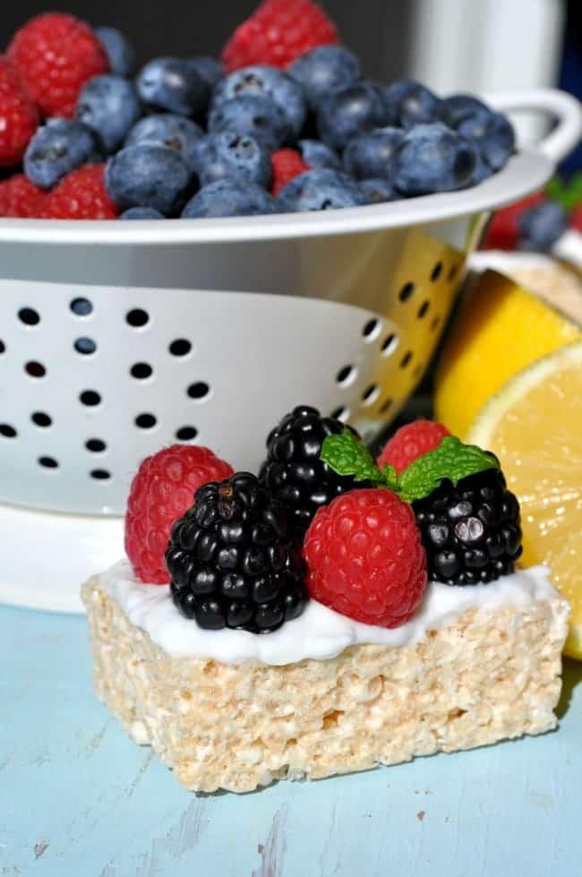 2-Minute Greek Yogurt Lemon Berry Krispies 2