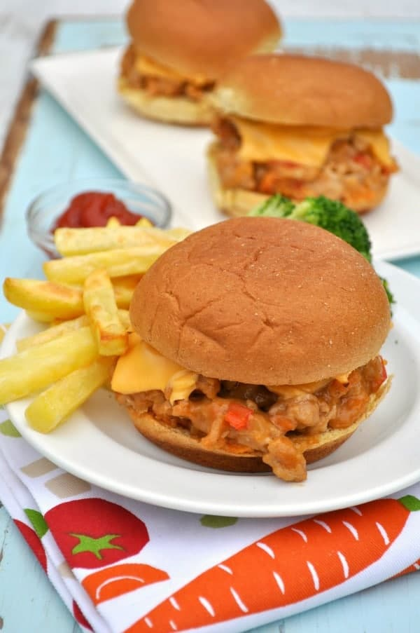 Cheesy & Easy Barbecue Chicken Sliders 2