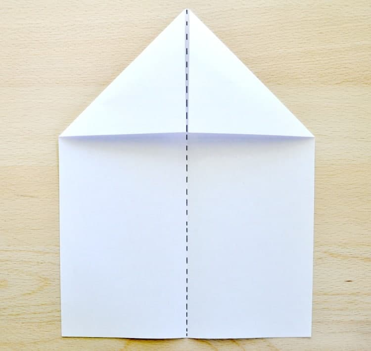 How to make paper aeroplanes