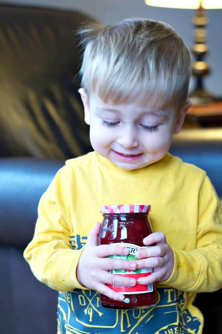 Shake up the everyday routine with a simple and fun PB&J Party!