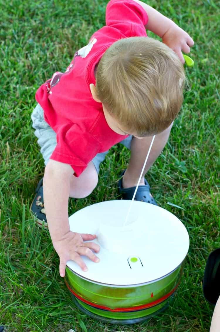 Easy Art Activity for Kids: Salad Spinner Painting - The Seasoned Mom