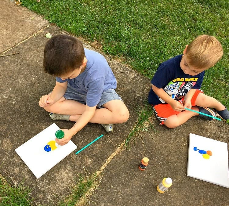 Keep kids busy with this easy art project!