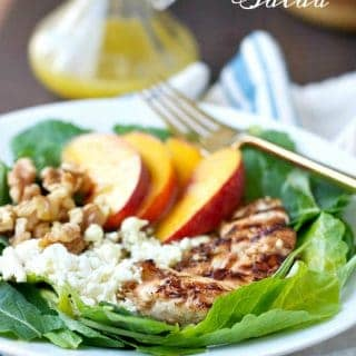 A nectarine salad with chicken and walnuts