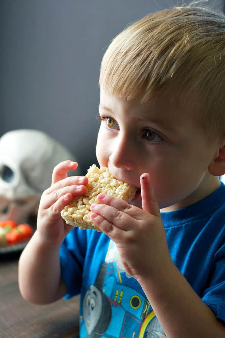spencer-eating