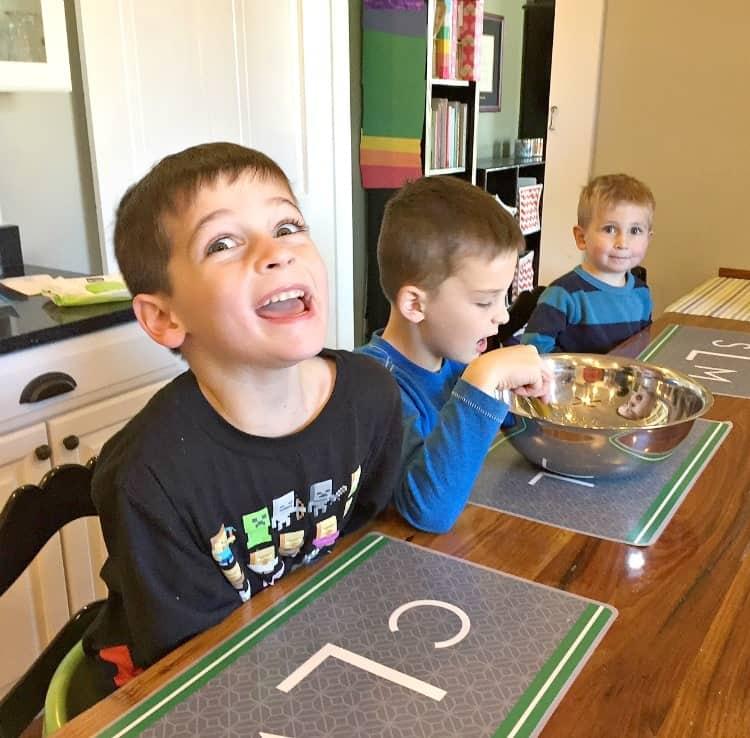 boys-making-brownies