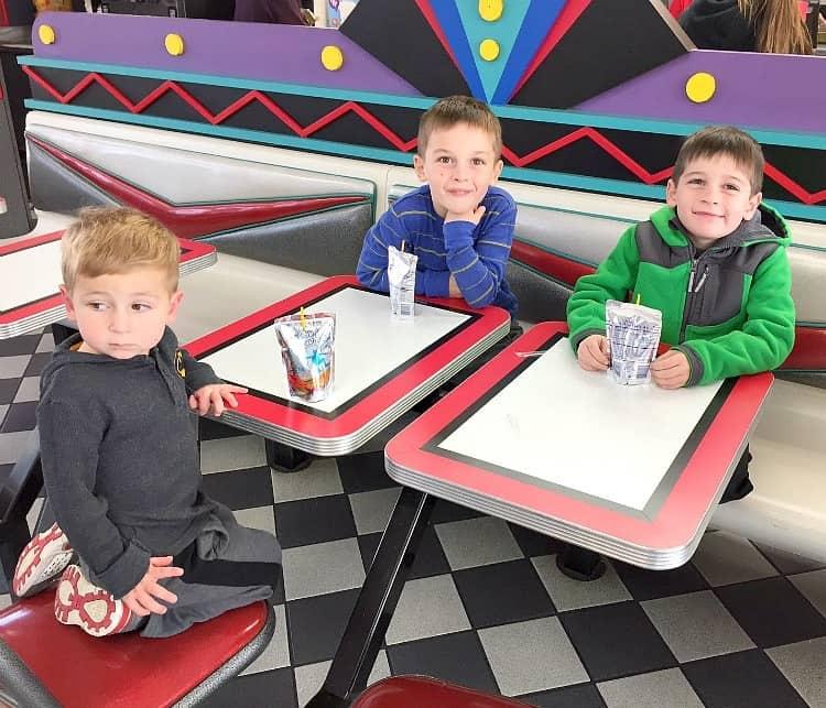 boys-at-taco-bell