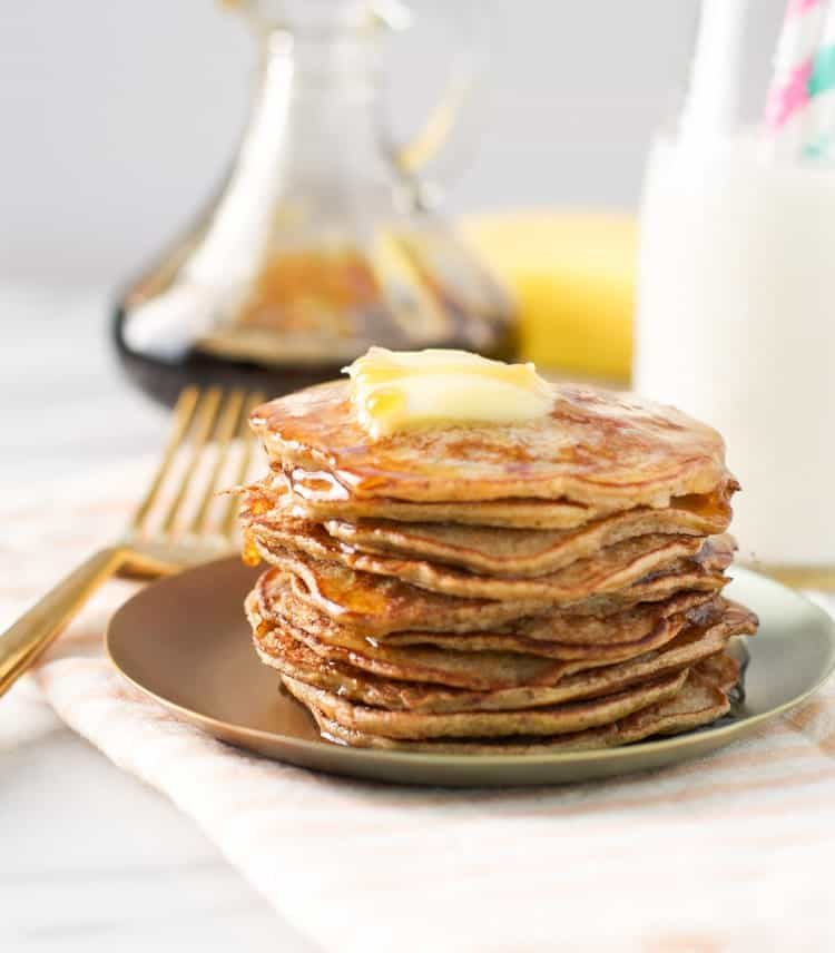 You only need 3 ingredients for a healthy breakfast with these banana pancakes