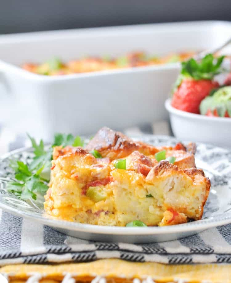 Overnight Southern Biscuit, Ham & Egg Bake! Breakfast Casserole | Breakfast Ideas | Breakfast Recipes | Brunch Ideas | Brunch Recipes | Easter Ideas