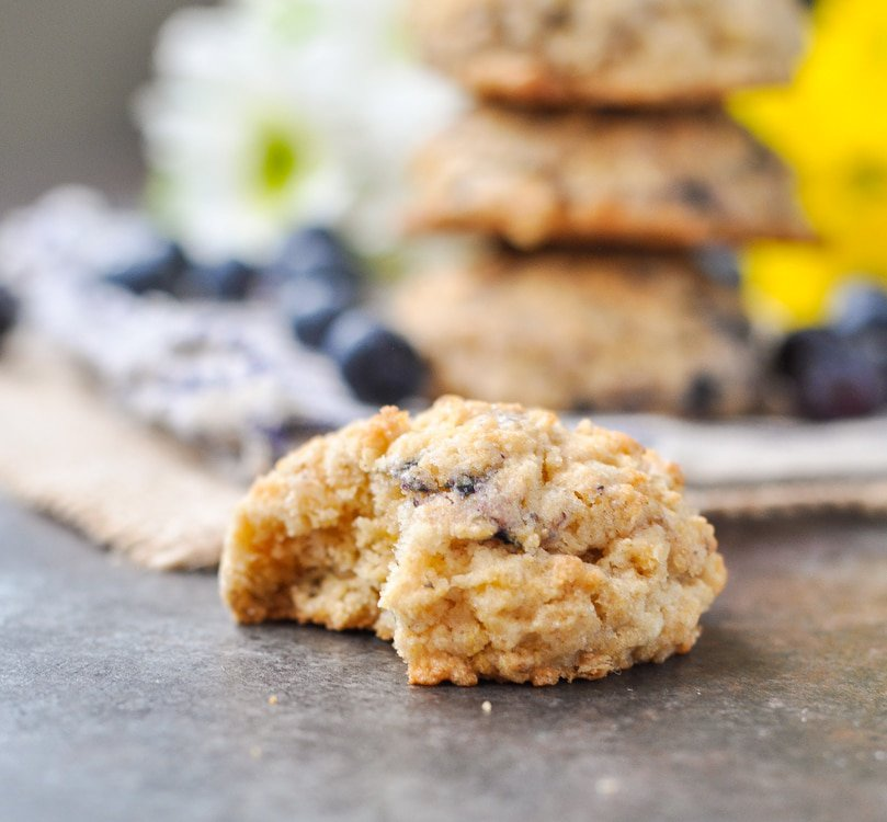 Blueberry Muffin Oatmeal Cookies | Blueberry Recipes | Oatmeal Recipes | Cookie Recipes | Desserts | Dessert Recipes | Easy Dessert Recipes | Breakfast Recipes | Breakfast Ideas | Easy Breakfast Recipes