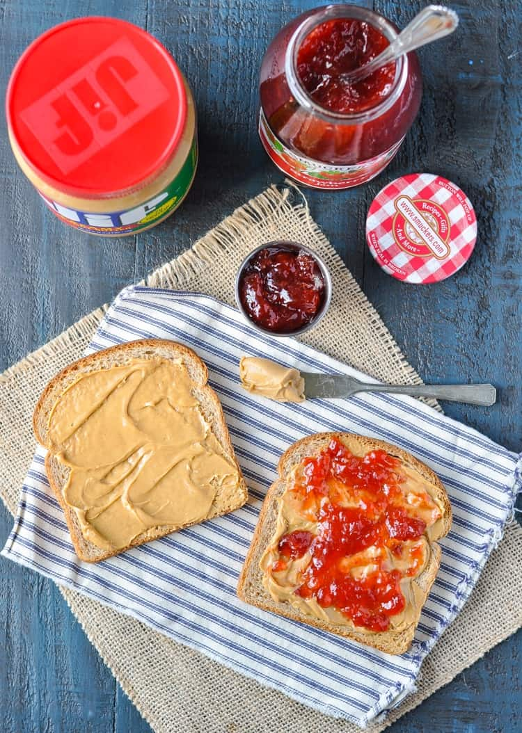 How to make The Perfect Peanut Butter and Jelly Sandwich | Lunch Ideas Kids | Lunch Recipes | Lunch Box Ideas for Adults | Sandwiches | Food for Travel | School Lunches