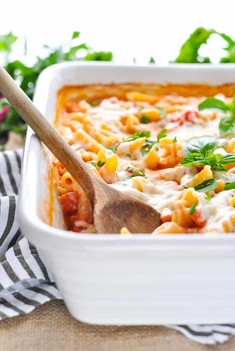 Enjoy A Month of Easy Dinners with these quick-prep dinner recipes! Easy Dinner Ideas | Meal Planning | Chicken Breast Recipes #dinner #mealplanning #mealprep