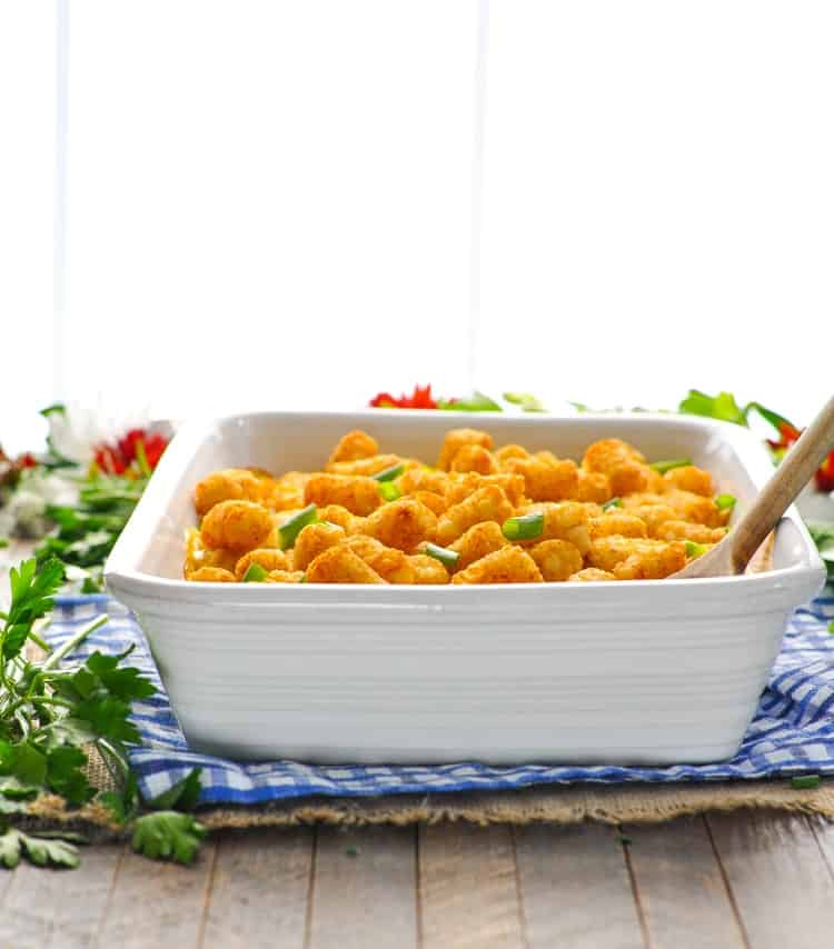 This Chicken Nuggets and Potato Tots Casserole is an easy dinner recipe that kids love! One Pot Meal | Chicken Recipes | Dinner Ideas