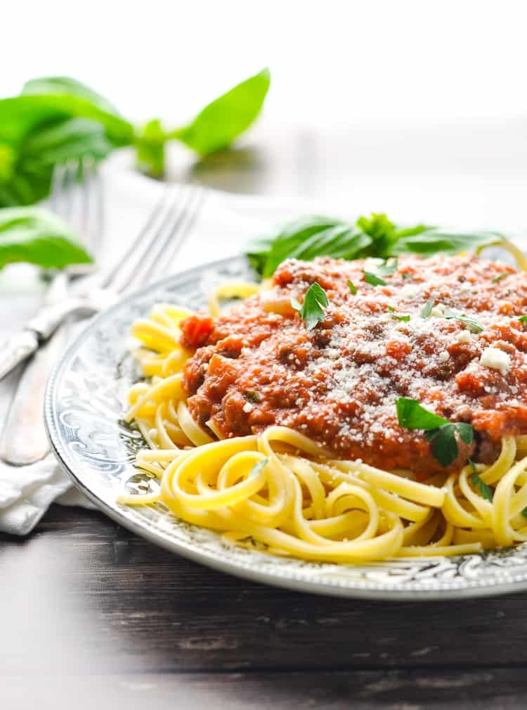 Quick and Easy Spaghetti Bolognese Sauce - The Seasoned Mom