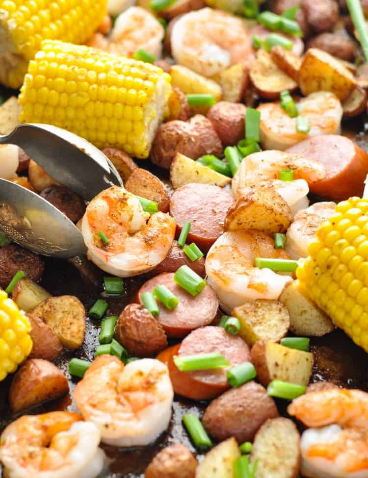 This Sheet Pan Low Country Boil is an easy dinner that cooks on one tray! Sheet Pan Dinners | Sheet Pan Meals | Shrimp Recipes #seafood #shrimp #dinner