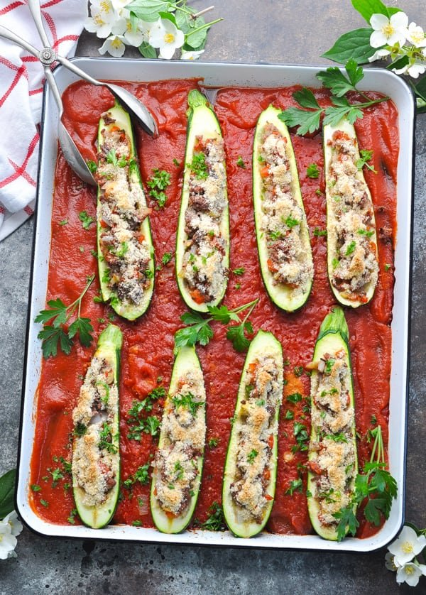Bake these easy stuffed zucchini boats with ground beef for a healthy dinner!