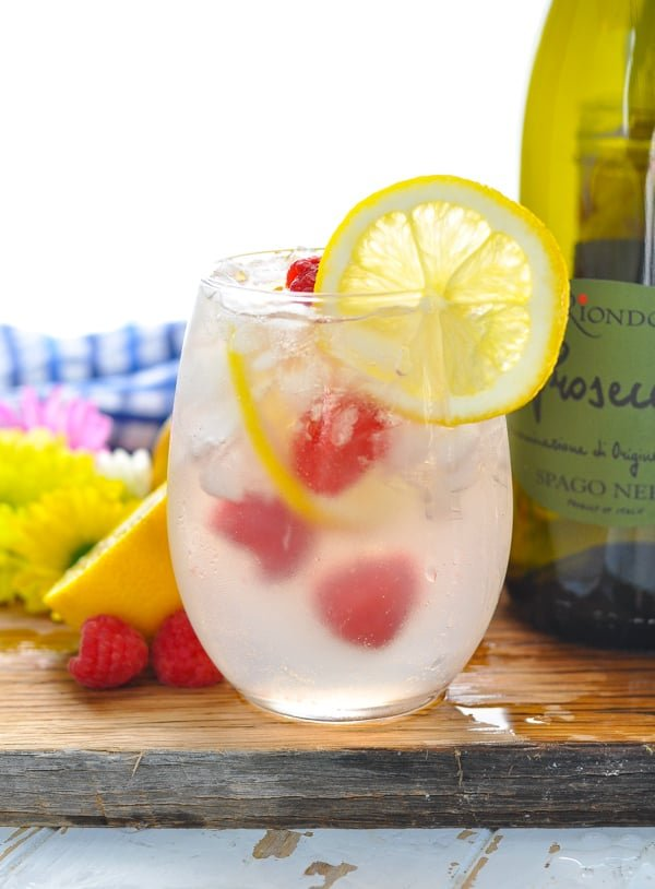 A fresh and easy Pink Lemonade Italian Spritz is the perfect Prosecco coktail for summer