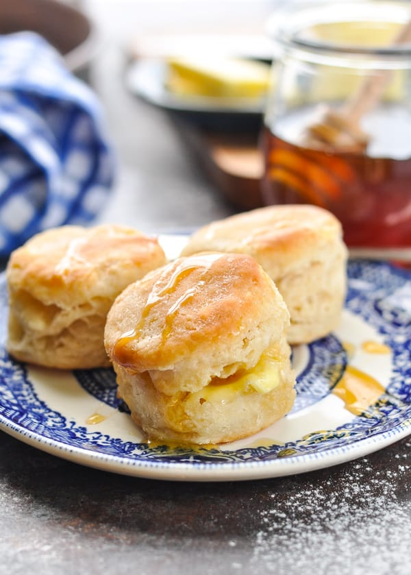 Aunt Bee S 3 Ingredient Buttermilk Biscuits The Seasoned Mom