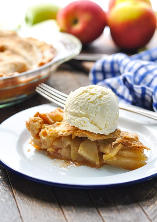 Mom's Easy Apple Pie - The Seasoned Mom