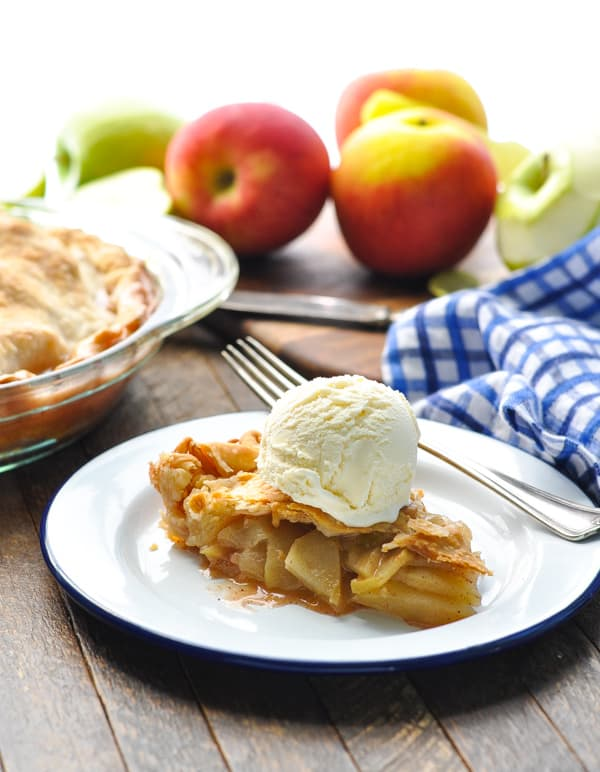 Apple pie on a blue and white plate