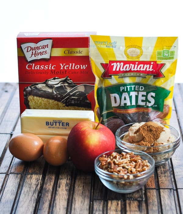 Ingredients for date bars