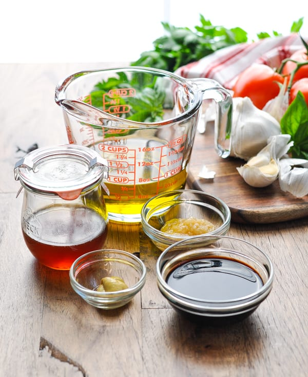 5 basic ingredients for homemade balsamic vinaigrette dressing