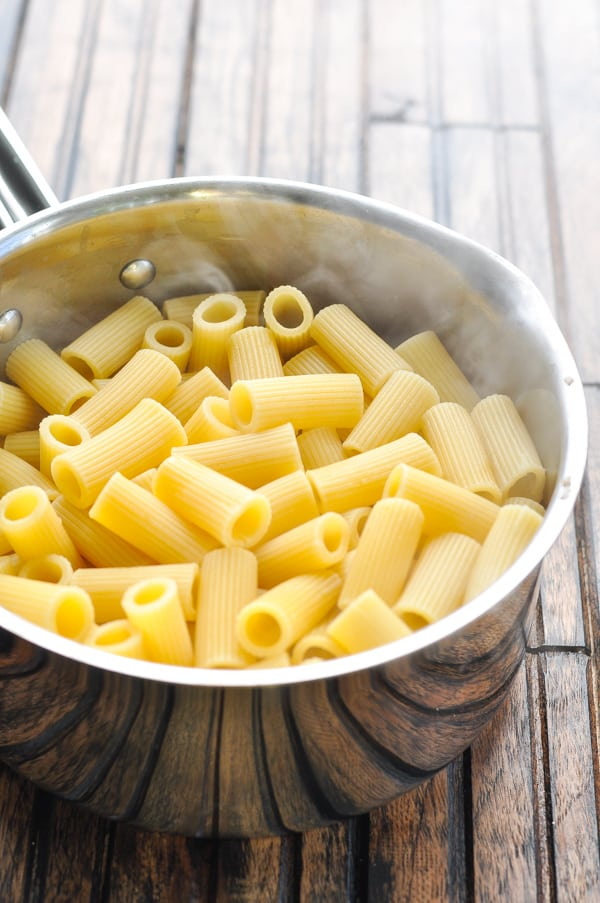 Cooked rigatoni pasta in pot