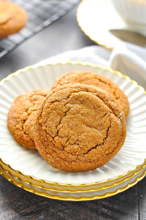 Close up image of molasses cookies on plate