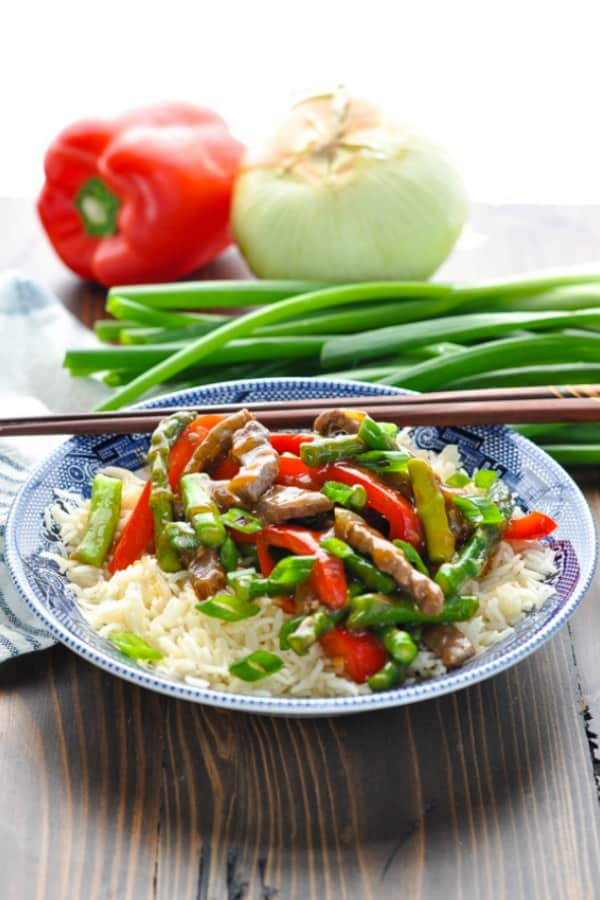 Blue Willow Bowl with Beef Stir Fry served over rice