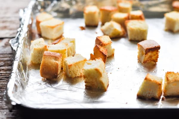 Toasted garlic bread croutons