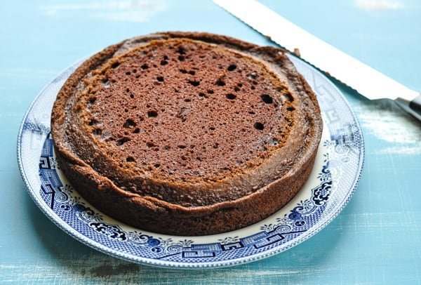How to dome a chocolate layer cake