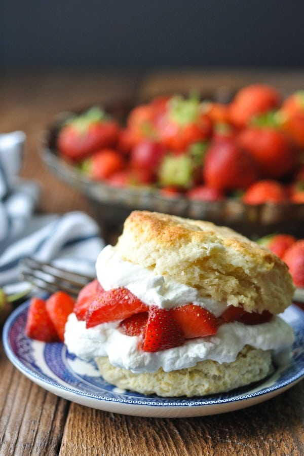 Front shot of an old fashioned strawberry shortcake recipe on a blue and white plate