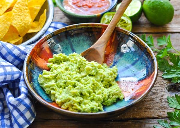 Horizontal shot of a bowl of guacamole