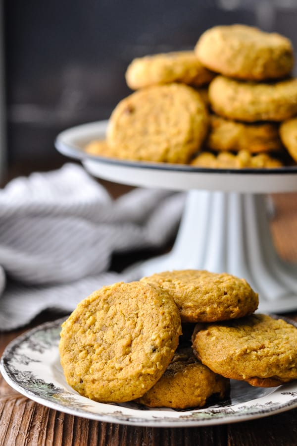 Easy pumpkin oatmeal cookies served on a white plate with brown trim