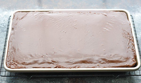 Cooling a Texas Sheet Cake