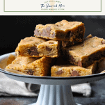 The best chocolate chip cookie bar recipe served on a tray with a text title box at the top