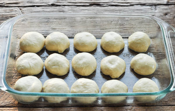 Image showing how to shape dinner rolls