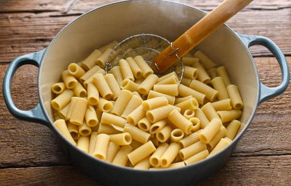 Cooked rigatoni in a big pot