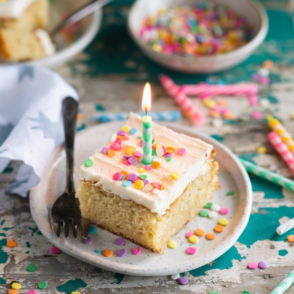 The best vanilla cake recipe with a candle in the top